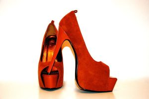 Source: http://upload.wikimedia.org/wikipedia/commons/thumb/a/a6/Highheels.JPG/640px-Highheels.JPG