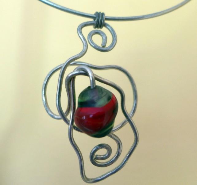 Jewellery with a Twist