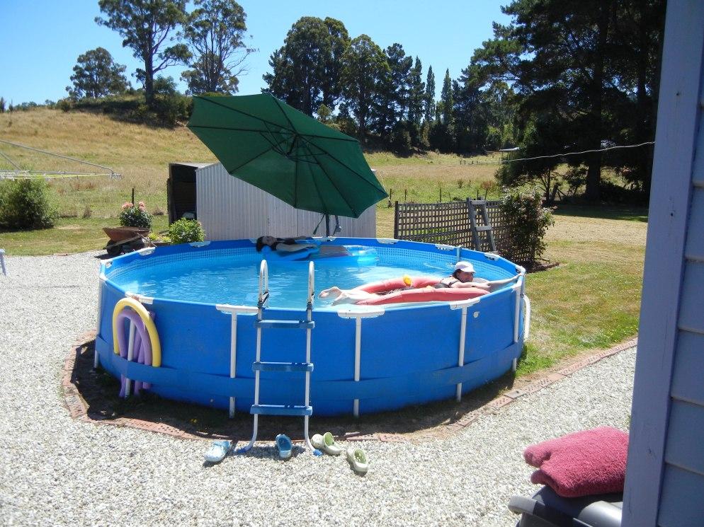Pool Girls (1)
