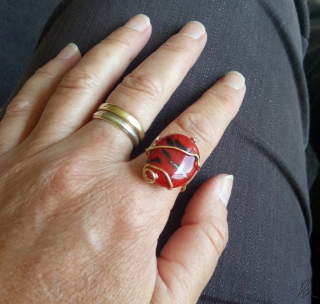 red-glass-gold-wire-ring