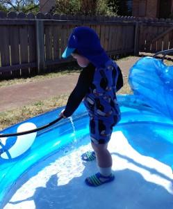 Noah in Pool (4)